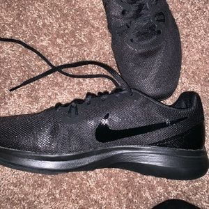 NWT Nike Supreme Flex Trainers